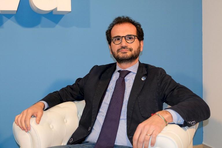 Puglia, sospensione dei ricoveri ospedalieri. Gemmato (FDI) rimprovera i fallimenti della Regione