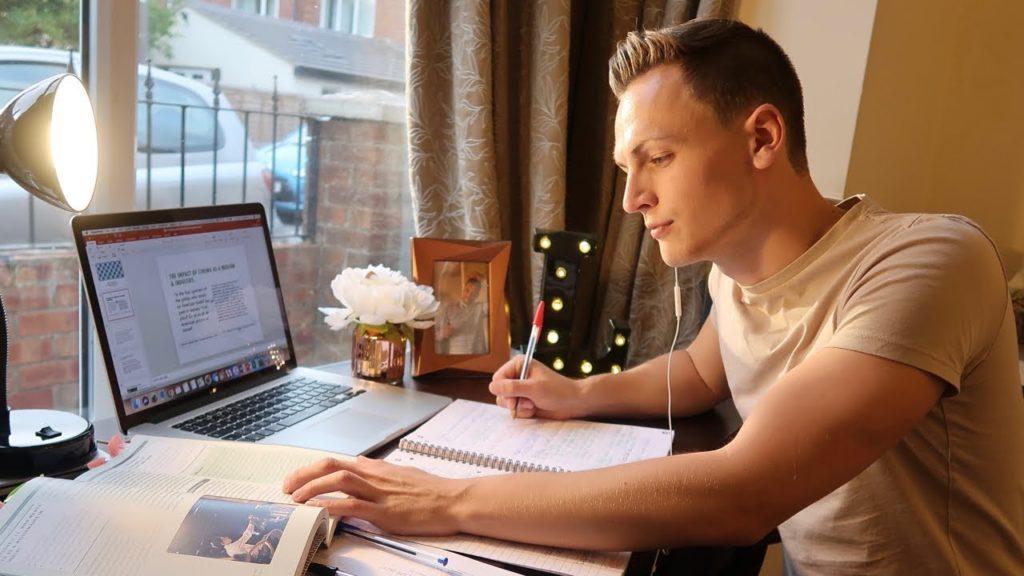 Università e Covid- il vantaggio della frequenza online